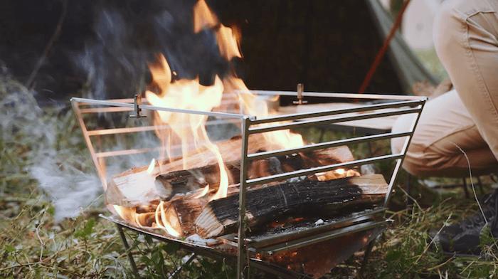 焚き火 まだ火がついている場合