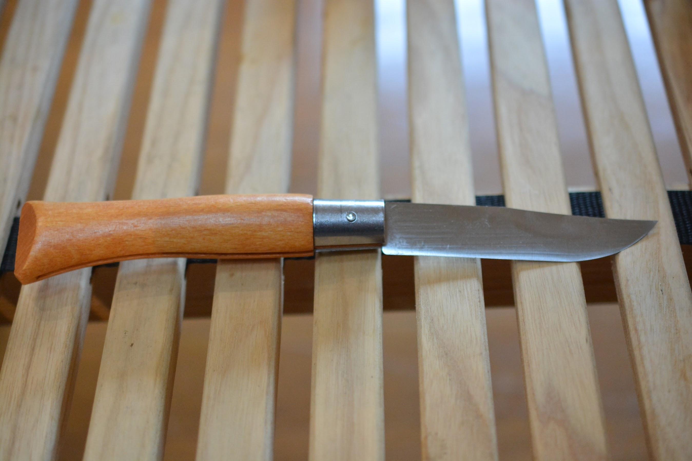 オピネルナイフ No.10 黒錆加工 ピンを外す