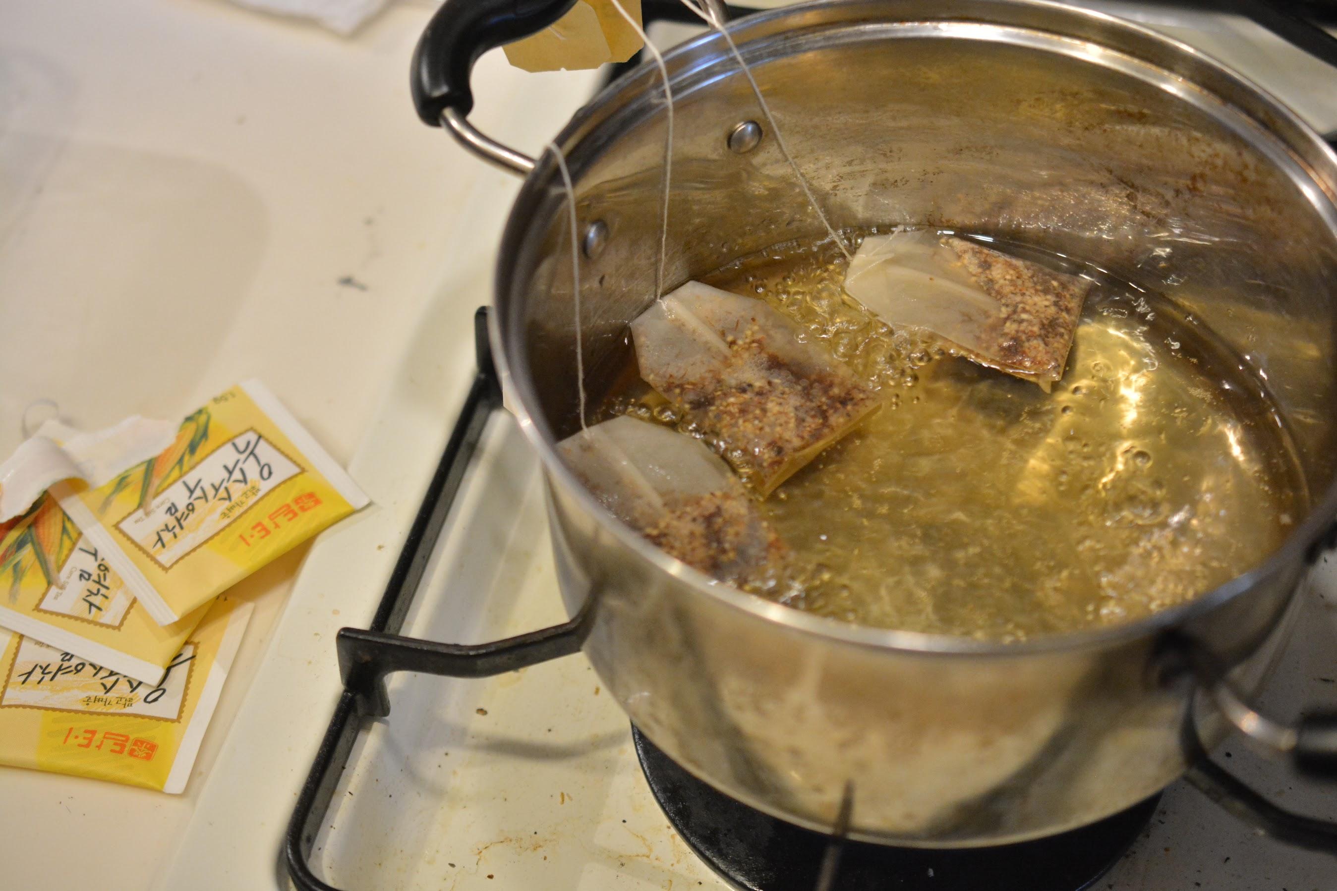 オピネルナイフ No.10 黒錆加工 紅茶を濃いめに煮出す