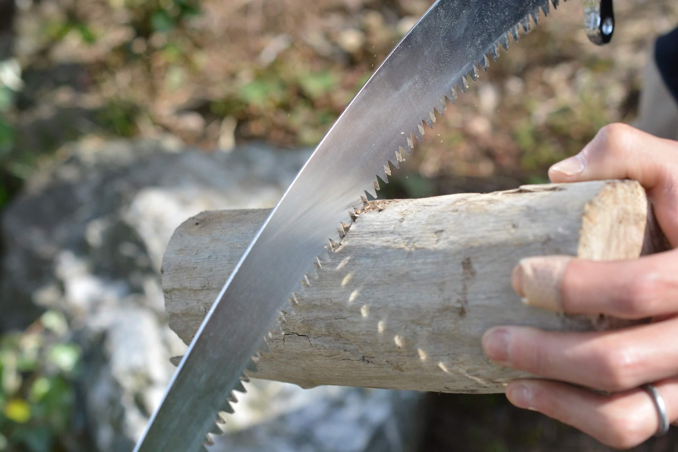 シルキースゴワザ420 15cmの薪を切ってみた
