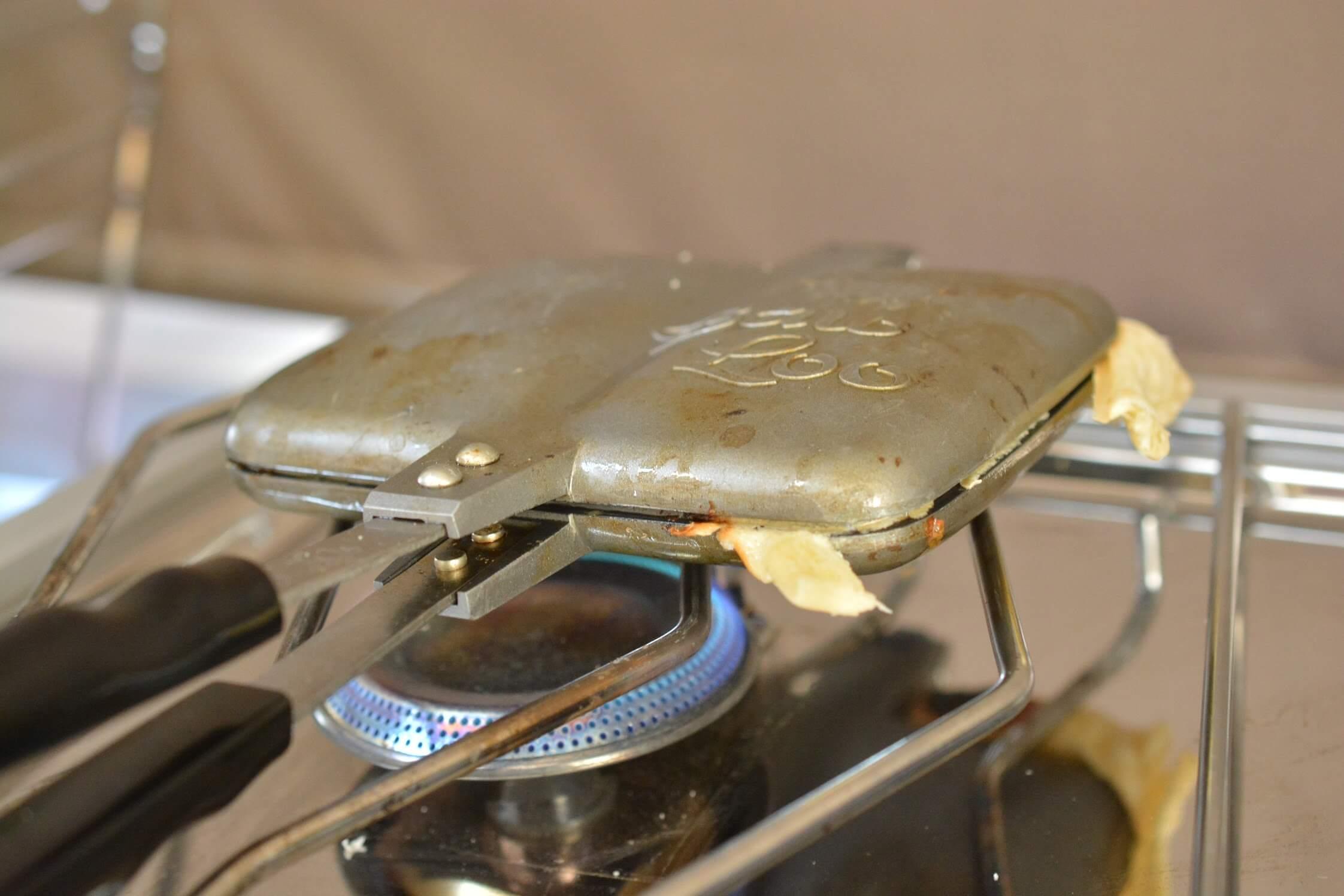 バウルー ホットサンドメーカー (ダブル) 鉄板形状