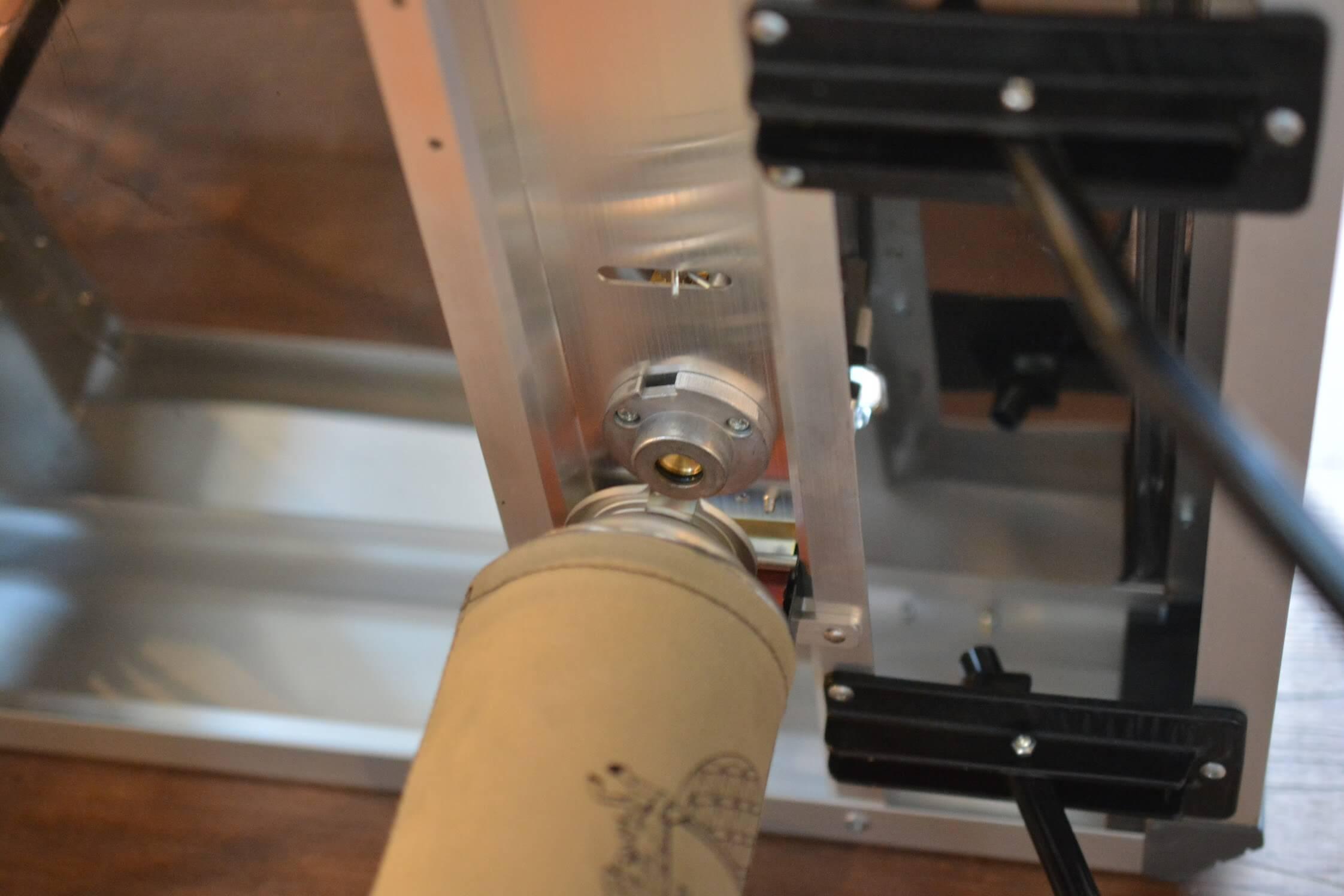ユニフレーム ツインバーナーUS-1900 CB缶の取り付け方法