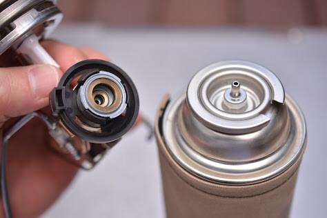 SOTO[ソト] レギュレーターランタン [ST-260] ガス缶 取り付け