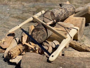 [DIYシリーズ]バックソーの作り方。「キャンプで薪作り」に最適。折りたたみ式ノコギリより圧倒的に早く切れるすごいヤツ!