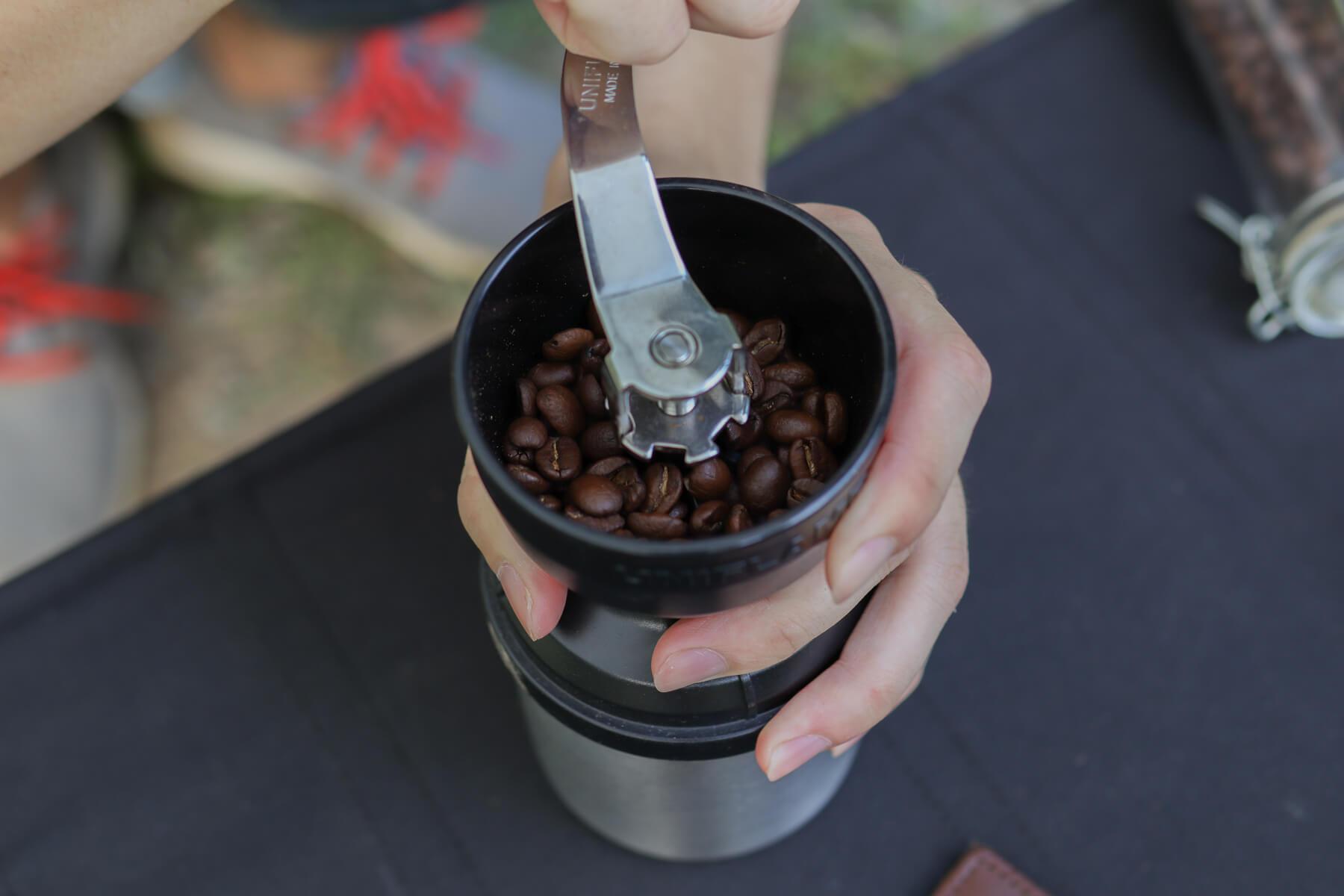 UNIFLAME UFコーヒーミル 使い方