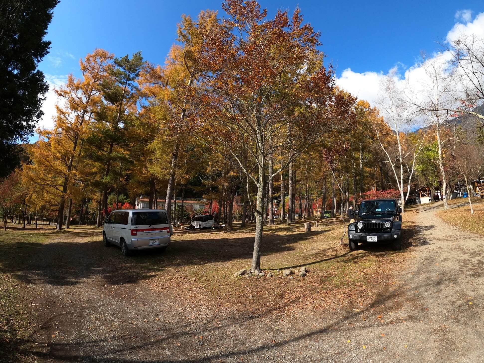 西湖キャンプ・ビレッジ 「ノーム」大型テントが張れる区画