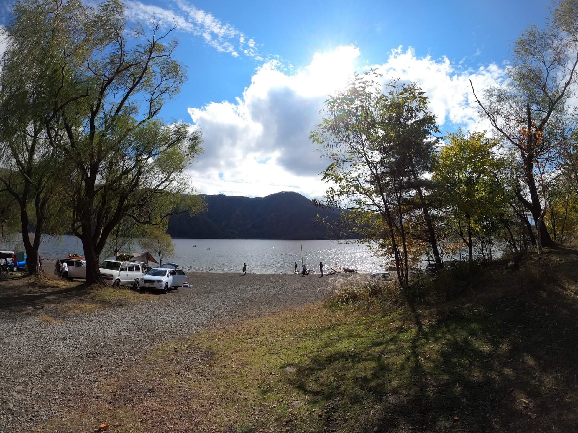 西湖キャンプ・ビレッジ 「ノーム」メリット 西湖湖畔