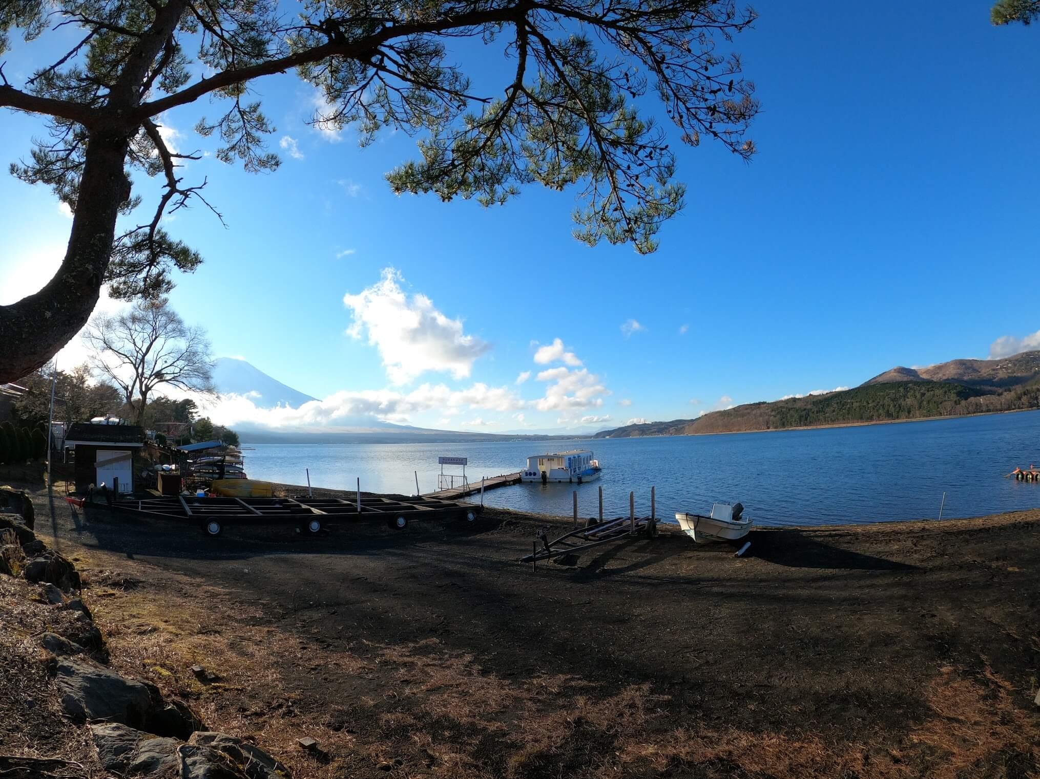 山中湖 わかさぎ釣りドーム船「BOO」