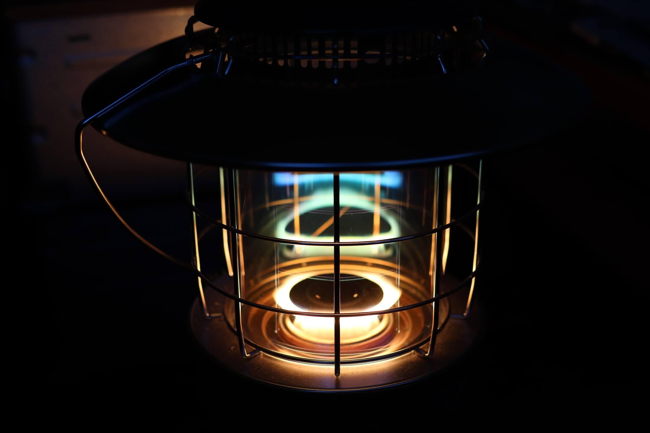 トヨトミ レインボーストーブ(石油ストーブ)RL-250-G 光り方