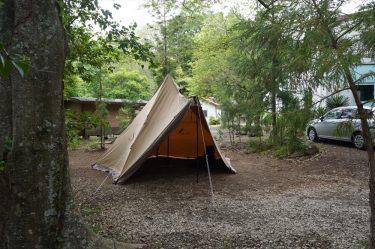 滝沢園キャンプ場訪問レポート。静かに過ごせる林間サイト。水無川の冷涼感も気持ちいい。